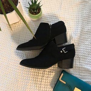 Unisa black booties with zipper and buckle